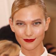 Karlie Kloss : lección de elegancia y sencillez